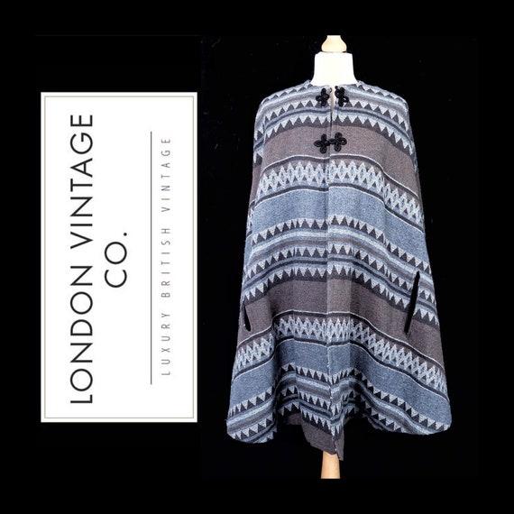 Vintage/retro chic blue/grey cape/coat/poncho/wrap