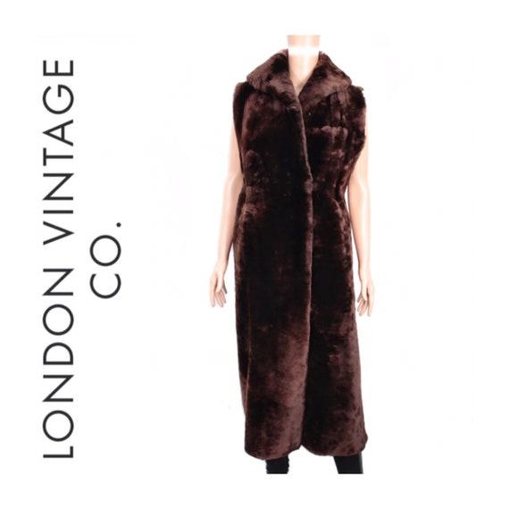 1960s-1970s brown mouton fur vest {Real fur/vinta… - image 1