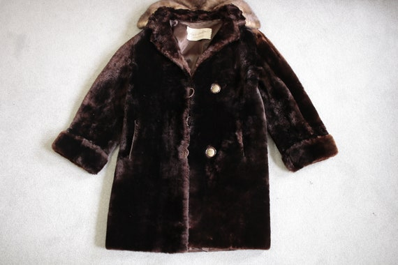 1950s-1960s mouton fur coat with mink fur collar … - image 5