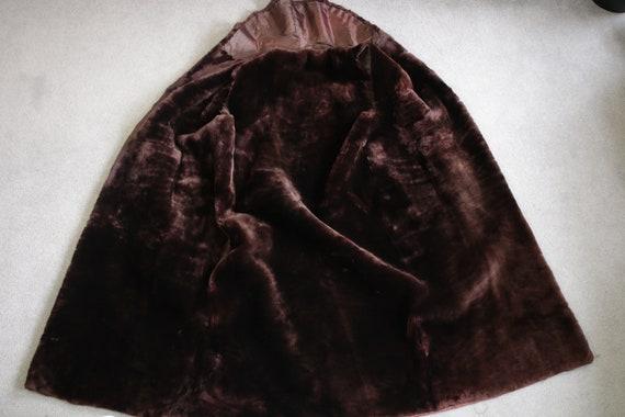 1960s-1970s brown mouton fur vest {Real fur/vinta… - image 8