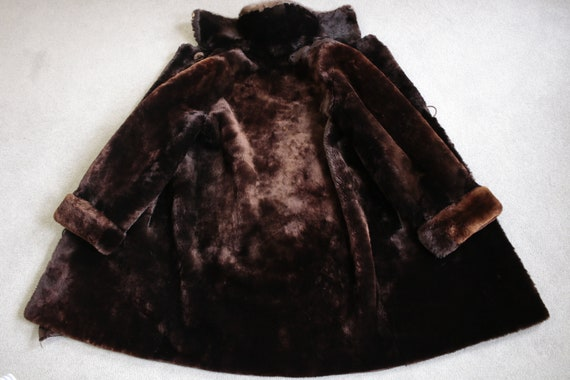 1950s-1960s mouton fur coat with mink fur collar … - image 7