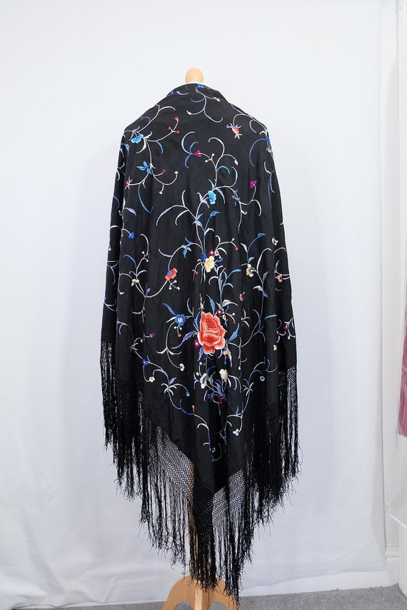 1910's-1920s-1930s Chinese piano shawl with colou… - image 4