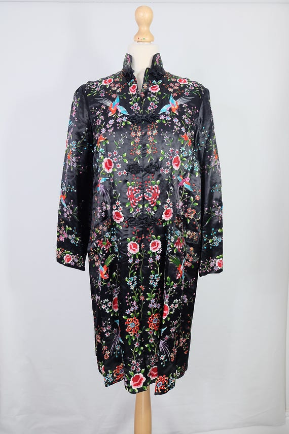 Vintage black embroidered coat {vintage embroider… - image 2