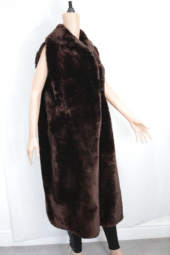 1960s-1970s brown mouton fur vest {Real fur/vinta… - image 3