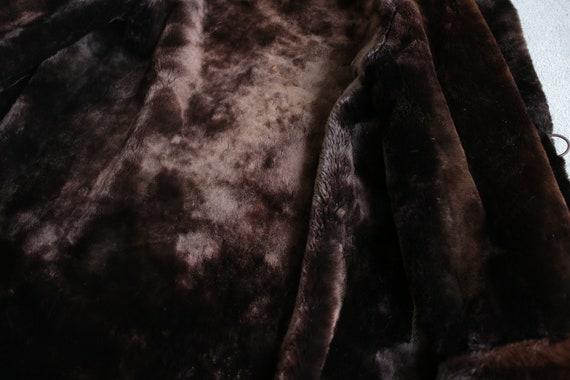 1950s-1960s mouton fur coat with mink fur collar … - image 8