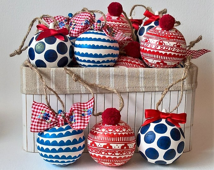 Set of 3 hand drawn ceramic baubles