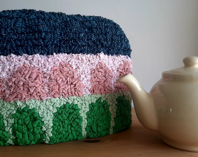 Mini Rag Hooked Tea Cosy with 2 cup Teapot