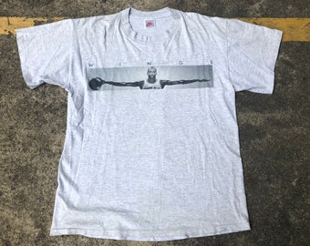 53655863d7cae3 VTG Michael Jordan Wings William Blake No Bird soars too high T-Shirt  Thrifted by 90s TPT