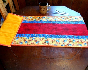 """Bright Ocean/Fish/Bubbles/Red Straight Line Table Runner 14"""" x 43"""""""