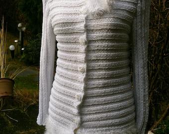 White Cardigan with Plait aperture, 6 buttons, size 36-38 (S-m)