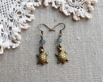 Antique brass turtle earrings / turtle earrings / dangle drop turtle earrings/ boho