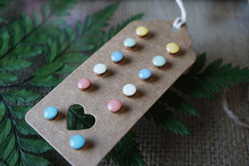 without metals, hand-painted Set of 6 hypoallergenic wooden studs pastel paintssynthetic resin