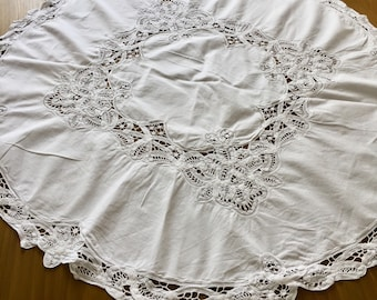 1930 vintage maderia lace edged table runner
