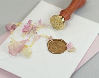Seal stamp initials with slash wedding modern simple 25 mm round