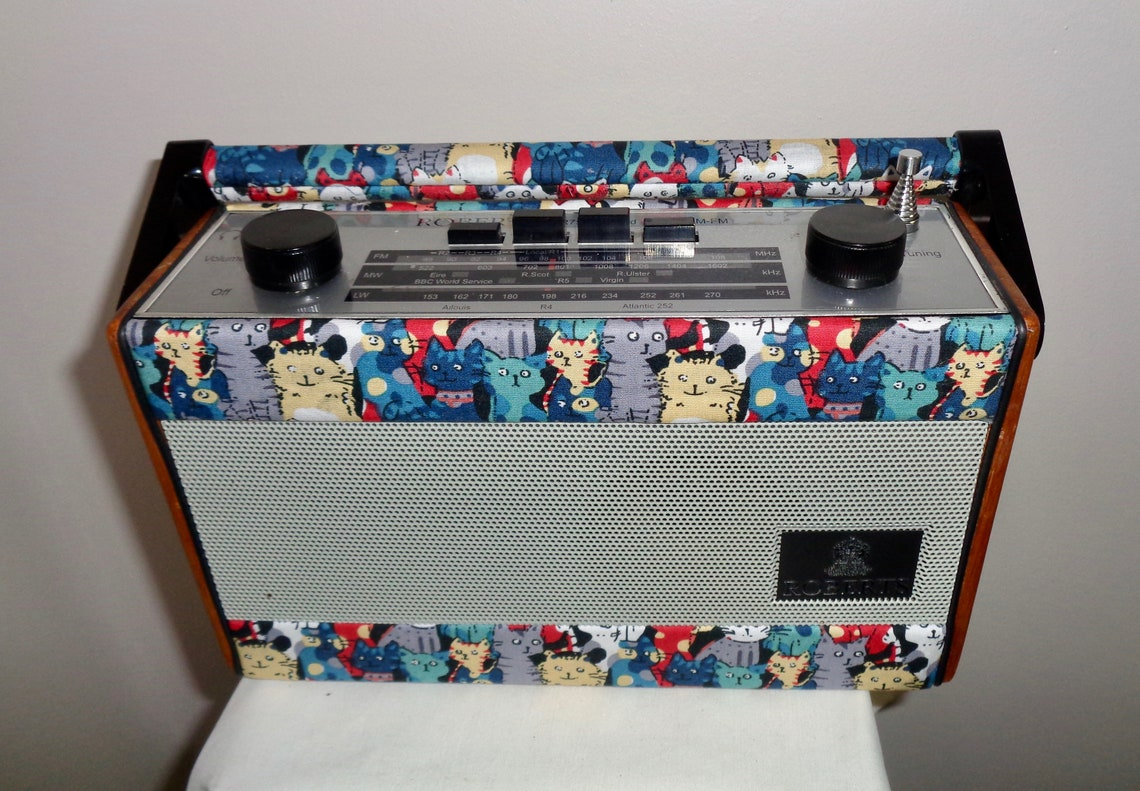 Vintage Roberts R757 Portable Cat themed Vintage Radio. Three Band Battery powered Radio. Unique Gift For Cat Lover!