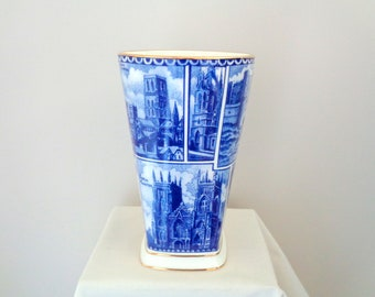 Ringtons Landmarks Wade Pottery Vase. Blue and White Pottery. UK Cathedral/ Castle Images.
