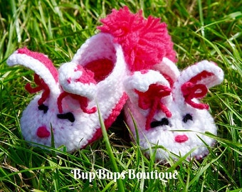 Crochet Baby Boy & Girl Bunny Rabbit Shoes in a Gift Box - Pram Shoes - Crochet Bunny Slippers - Baby Shoes - Handmade Slippers - Baby Boots