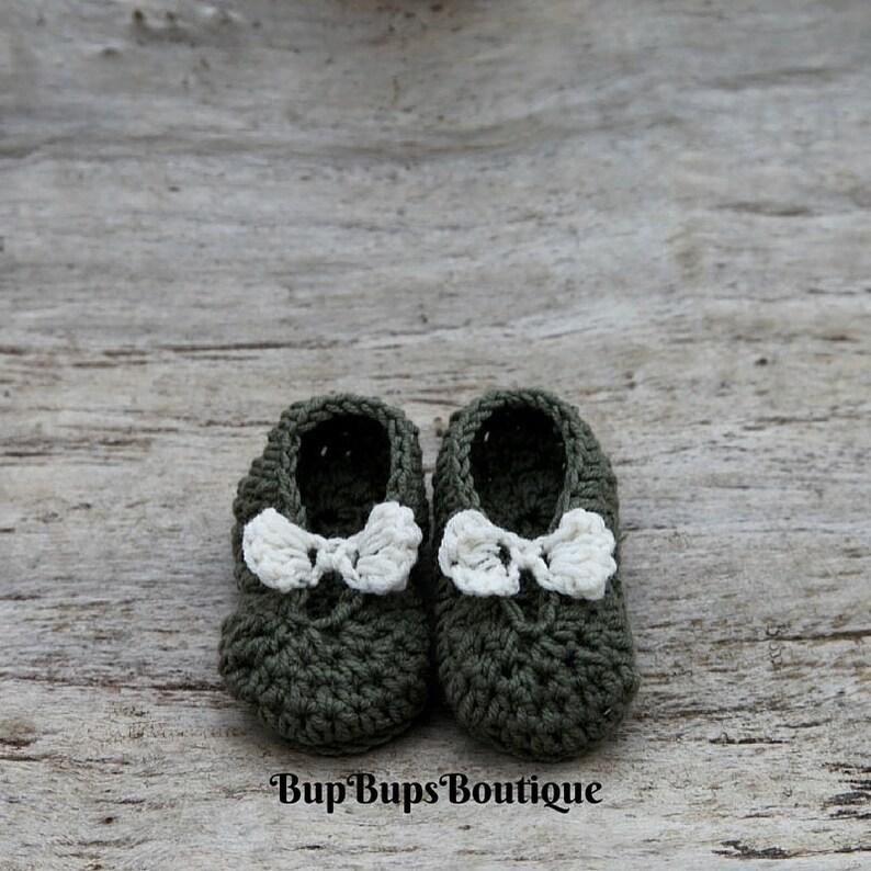 20030fd00ec4e Crochet Green Baby Girl Mary Jane shoes - Pram shoes - Crochet Shoes - Baby  Girl Shoes - Baby gift - Baby shower - Baby Shower