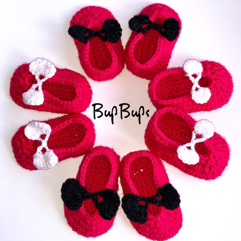 bf6b613c026eb Mary Jane baby Shoes - Pram Shoes - Baby shower - Cream Bow shoes Baby Gift  - Crib Booties - Crochet Shoes