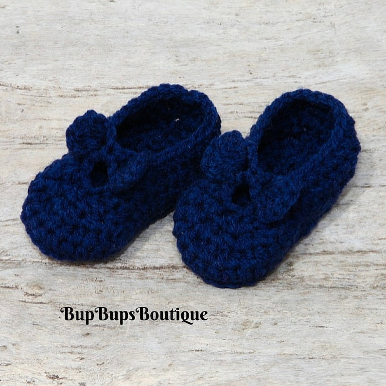 f08ac10d6836d Handmade Crochet Baby shoes - Mary Jane - Pram Shoes - Baby Shower - Baby  Girl Shoes - Navy Blue Shoes - Baby shower - Crib Shoe