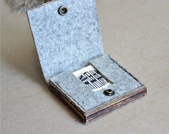 Square Business Card Wallet//Minimal Modern Rugged Card Holder Case//Felt & Wood//Gift Men Women Groomsman Bridesmaid Graduation