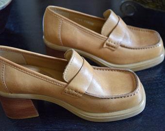 b088813cc6b Womens Shoes Vintage Women s Mia brand Retro Hip Hop Chunky Leather  Platform Sandal Shoes   Made in Brazil - Size 5 M