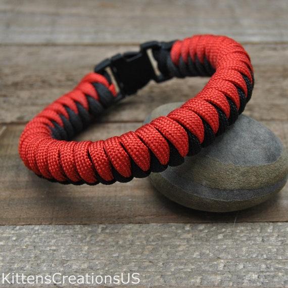Red and Black Snake Knot Paracord Bracelet - Item 408