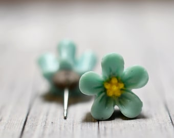 Blue Hibiscus Earrings, Mint Blue and Yellow Hawaiian Flowers, Retro Jewelry, Cottage Chic Earrings Vintage Jewelry, Blue Botanical Earrings