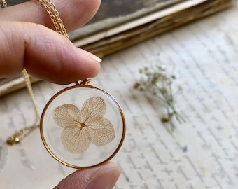 Pressed Flower Necklace, Natural Preserved Flower, Delicate Dried Flower Jewelry, Gold Resin Necklace