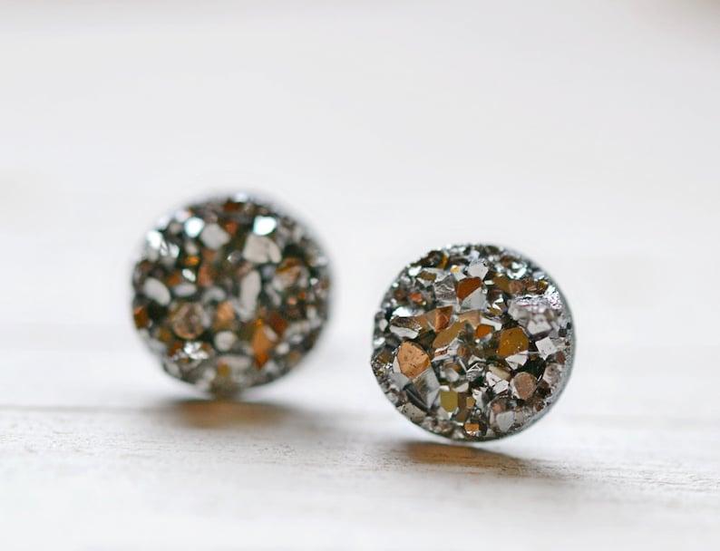 Tiny Gray Druzy Earrings 8mm Round Druzy Earrings Metallic image 0