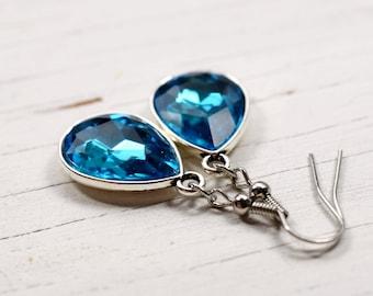 Aquamarine Crystal Earrings, Blue Rhinestone Teardrops, Faux Diamond Style Aqua Jewels, Estate Style Jewelry, Silver Drops