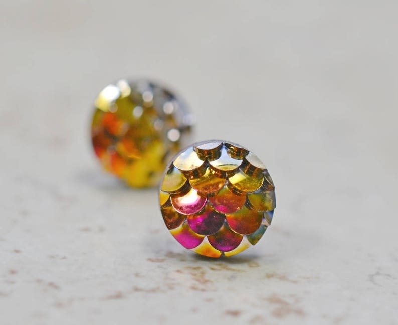 Tiny Pink Gold Mermaid Earrings 8mm Iridescent Magenta Gold image 0