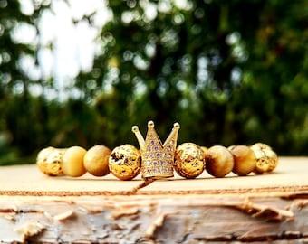 Golden crown stretch bracelet for women, Luxury gift bracelet for women, 8 mm Yellow tiger eye bracelet