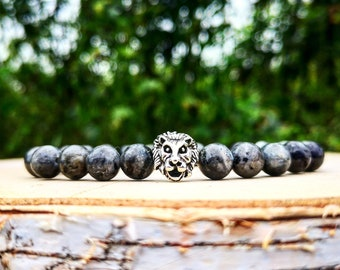 Silver lion bracelet for men, Men's bracelet, Lion king, Gift for men, Labradorite larvikite bracelet, Stretch bracelet, Gift for him