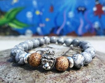 Grey lion bracelet for men and women, 8 mm beaded bracelet, Stretch bracelet, Gift bracelet, Lion king, Silver bracelet