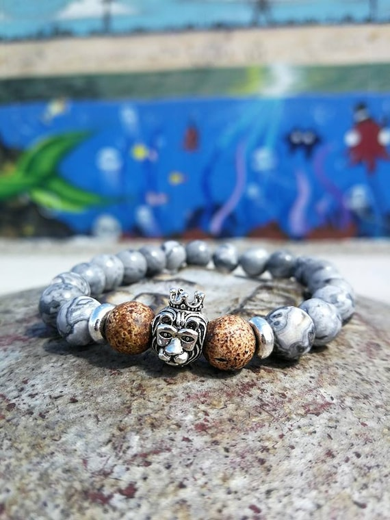 Grey lion bracelet for men and women, 8 mm beaded bracelet, Stretch bracelet, Gift bracelet, Lion king, Silver bracelet