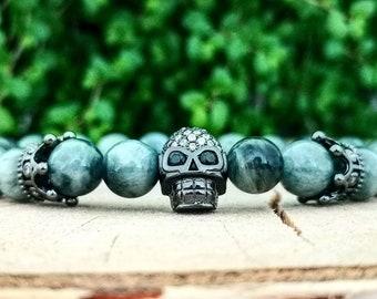 Beaded skull bracelet for men and women, Crown bracelet, Grey beaded bracelet, Stretch bracelet, Birthday gift, Hawkeye bracelet