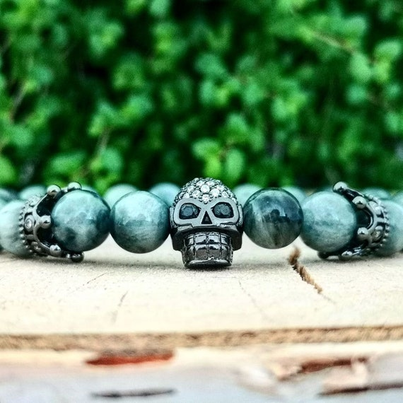 Beaded skull bracelet for men and women, Crown bracelet, Grey beaded bracelet, Stretch bracelet, Birthday gift, Hawkeye bracelet