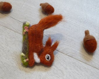 Red Squirral Brooch, Squirral brooch, Felt brooch, Animal brooch, Squirral Pin, Woodland animal