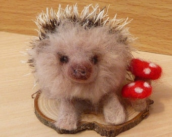 Hedgehog, Felt hedgehog, Hedgehog gift, Needle felted Hedgehog, Wildlife, Woodland, Animal