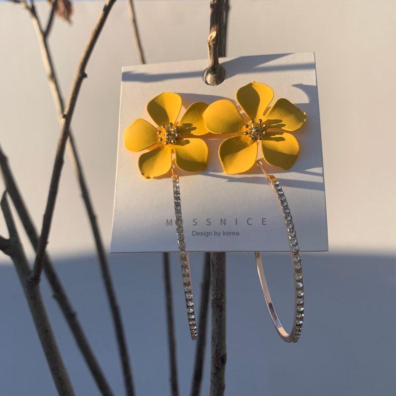 2 Pair Earrings Magnolia Yellow Floral Studs  Hoops Rose Gold Tone Encrusted