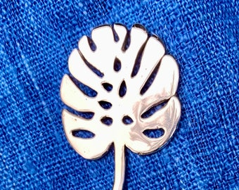 Monstera Leaf Shawl Stick (Philadendron) WB-219