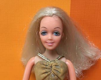 Vintage Disco Girl Doll Britt Hasbro 1972 Matchbox Teenage Doll Barbie Sindy