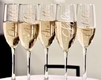 Bridesmaids Champagne Flutes, Custom Champagne flutes, Custom champagne glasses, Bridesmaid gift, Custom champagne flutes, mothers day