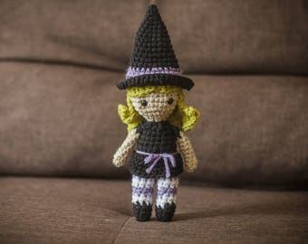 Witch Amigurumi (green hair)