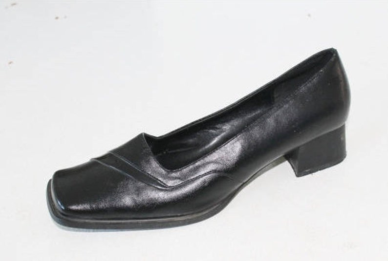 92ac1fc5d6aae Black Leather Flat Shoes 90s Vegan Leather Women FLATS Mid