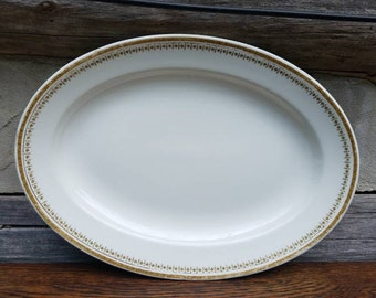 W.H. Grindley Platte/china/made in England/white/cream/gold/vintage/old dishes/english/dinnerware/table settings/table scapes/kitchen/dishes