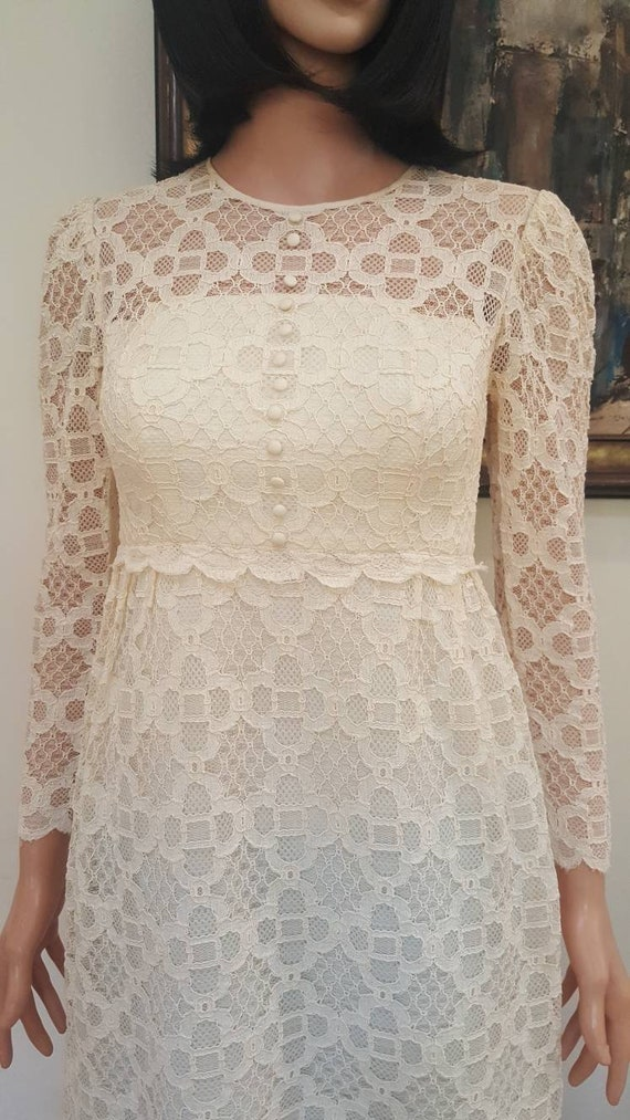 Gorgeous Vintage '60s Off White Floral Lace Lined… - image 2
