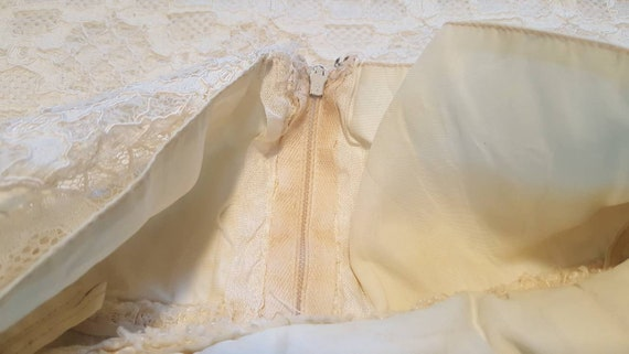 Gorgeous Vintage '60s Off White Floral Lace Lined… - image 10