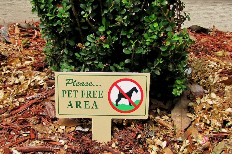 Two Pet Free Area Signs | No Dog Poop Stake | No Poop No Pee Signs | No Dog  Pooping Signs | No Poop or Pee Sign | Private Property Signs